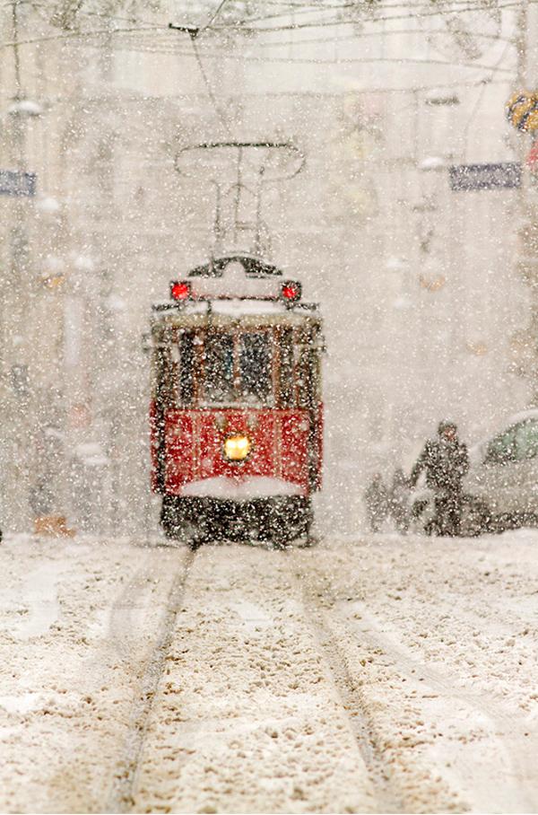 Winter istanbul by Mustafa Celebi