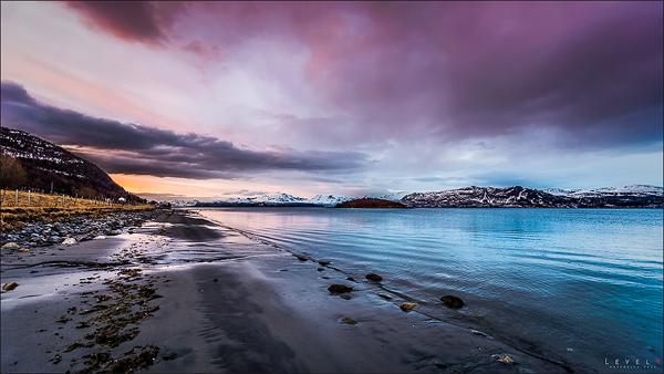 Leaving winter by Trichardsen